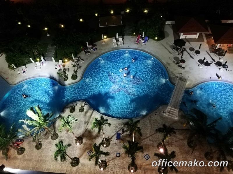 サザンビーチホテル&リゾート沖縄 夜の屋外プール