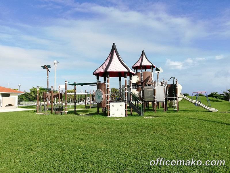 サザンビーチホテル&リゾート沖縄 海沿いの公園