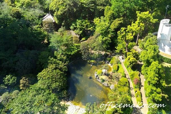 広大な日本庭園の画像