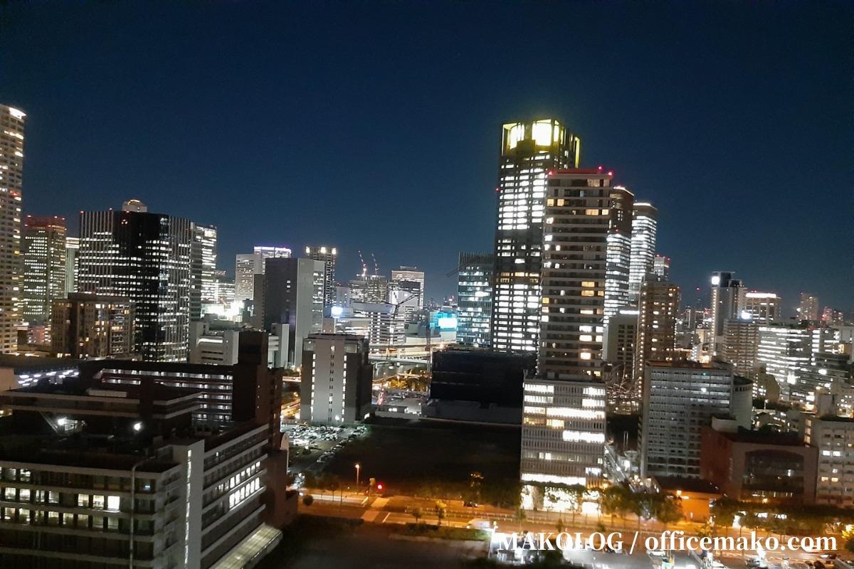 リーガロイヤルホテル大阪の客室からの夜景