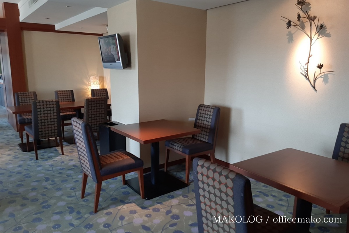 リーガロイヤルホテル大阪のカフェラウンジのテーブル