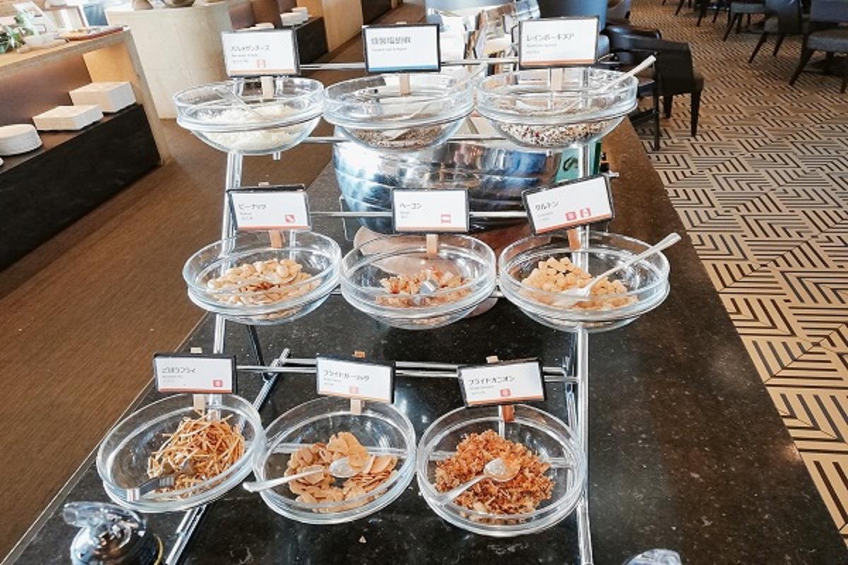 神戸ポートピアホテルの朝食ブッフェ サラダトッピングの画像