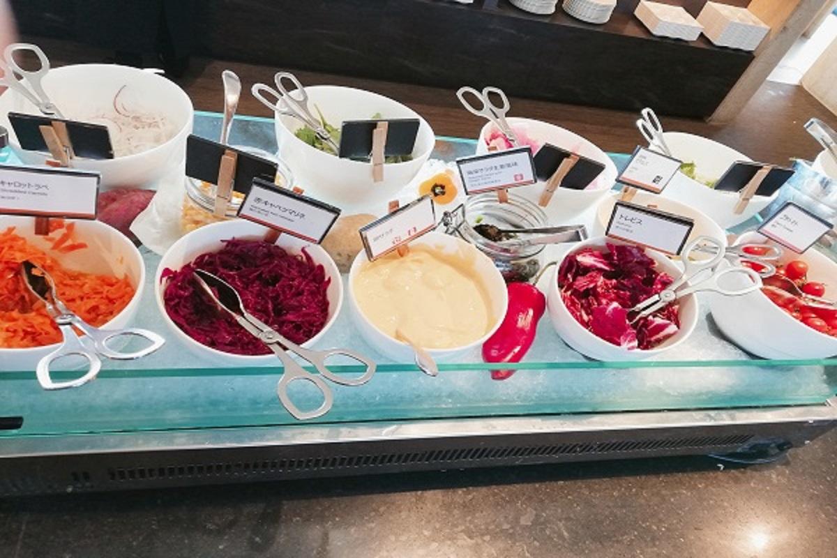 神戸ポートピアホテルの朝食ブッフェのサラダの画像